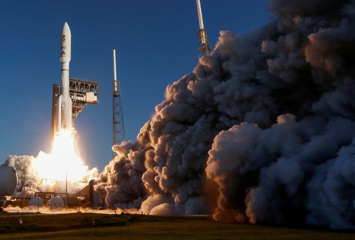 Vanop de ruimtehaven Cape Canaveral in Florida is een Atlas-draagraket gelanceerd die de onbemande Amerikaanse Marsverkenner 'Perseverance' naar de Rode Planeet moet slingeren.