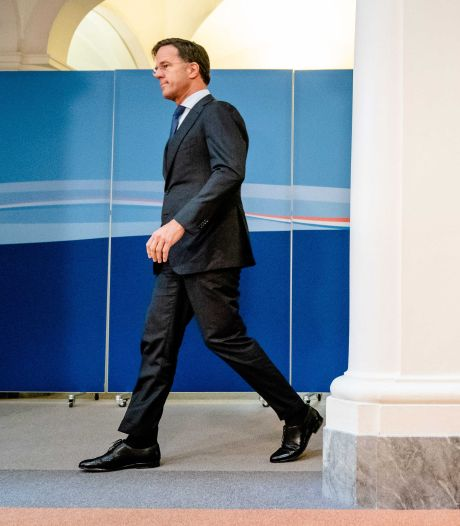 Rutte ziet besmettingen stabiliseren, maar waarschuwt: 'In horeca gaat het te vaak mis'