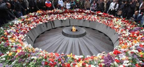 Staatssecretaris Snel legt bloem bij Armeense herdenking