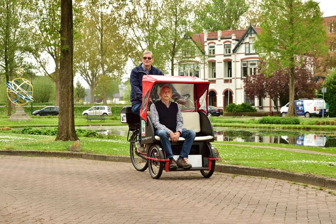 Jan Heemelaar en voorin Kees Thieme.
