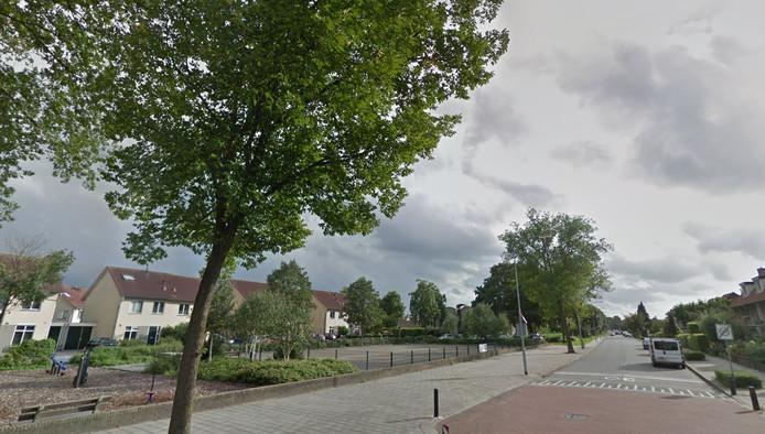 Het zogenoemde zwarte plein kan een centraal ontmoetingspunt worden in de wijk Wittenhagen. Op burendag, 22 september, kunnen wijkbewoners daarover meedenken.