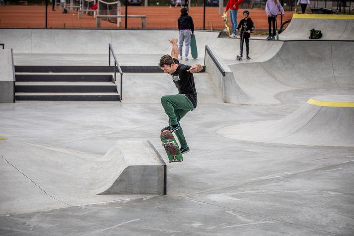 Het skatepark aan De Kimpel is klaar.