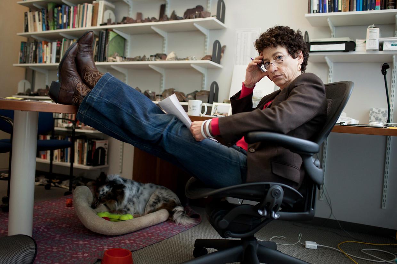 Naomi Oreskes: 'Je kan wel zeggen dat je geen wetenschap gelooft maar je gebruikt elke dag, permanent technologie die eruit voortvloeit.' Beeld NYT