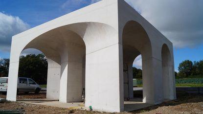 Onthaalpaviljoen Duits kerkhof eindelijk vorm gegeven