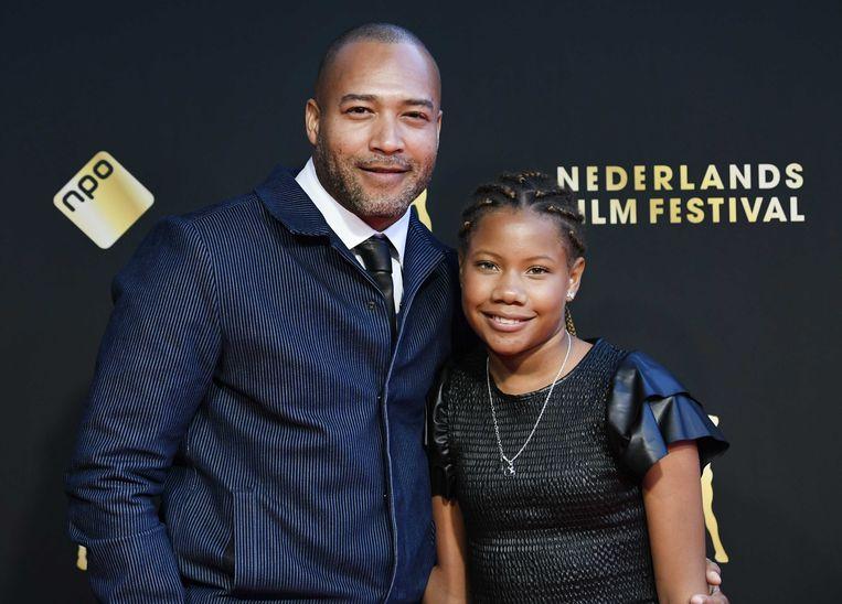 Everon Jackson Hooi en Tiara Richards op de rode loper voorafgaand aan de openingsfilm Bulado tijdens Nederlands Film Festival (NFF). Beeld ANP