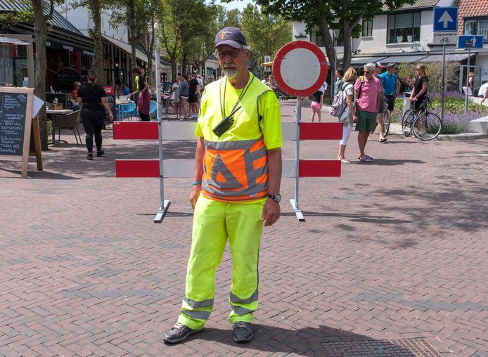 Een schrikhek, verbodsbord en een verkeersregelaar waren maandenlang een vertrouwd gezicht voor iedereen die het centrum van Domburg wilde bezoeken.