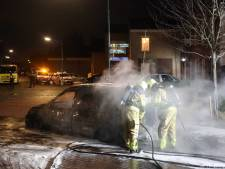 Stel met de schrik vrij bij autobrand in Gieten