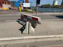 Betonblok stuk na aanrijding - Cokeriestraat Vilvoorde.