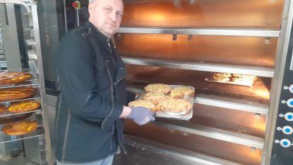 Bakkersgast trakteert rusthuis Sint-Elisabeth op lekkere taartjes