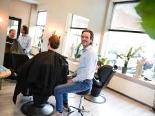 Handige kapper Olaf Vleerbos knapt onbewoonbaar pand in Hengelo in drie weken zelf op