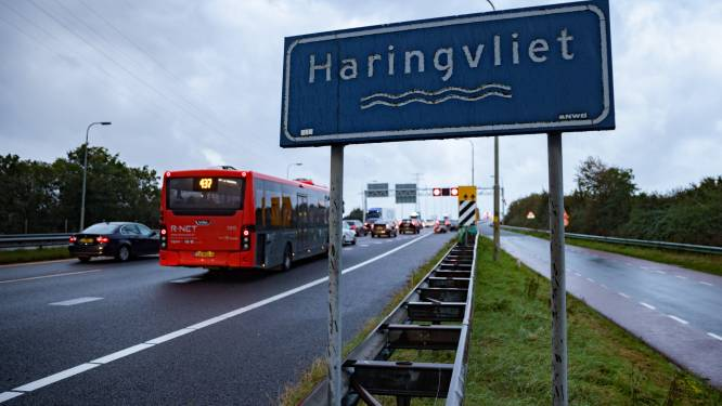 Veel heisa vooraf: hoe gaat het nu op de Haringvlietbrug? 'Elke dag staat de bus wel even stil'