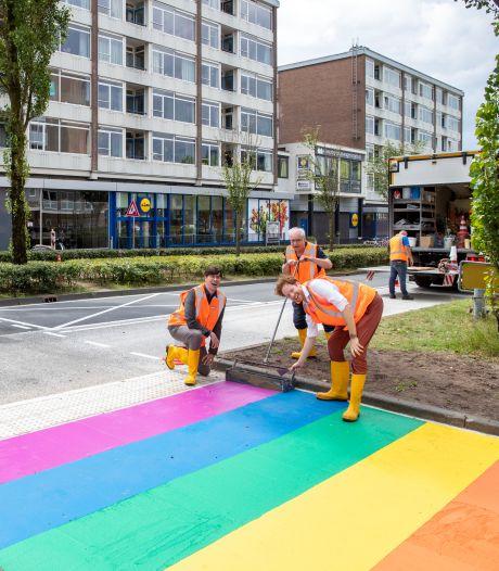 Een oversteekplaats in de kleuren van de regenboog in Wageningen is er voor iedereen