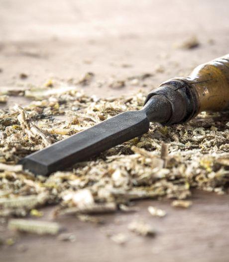 Ondergang dreigt voor jubilerende houtbewerkers Goes: 'We hebben geen dak meer boven ons hoofd'