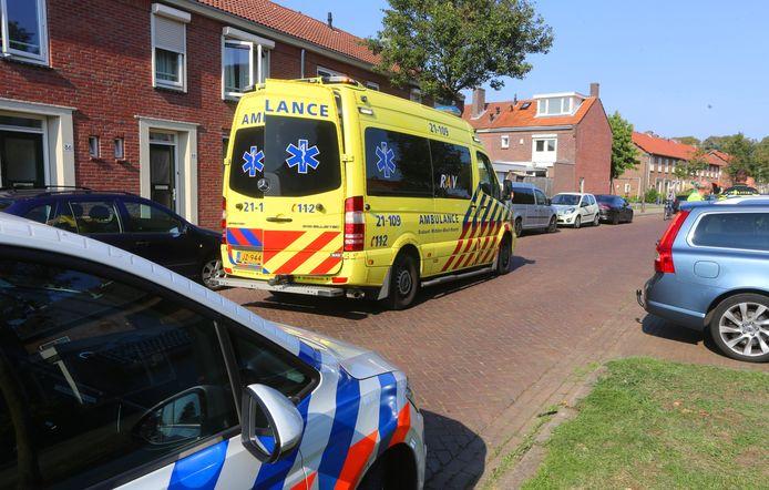 De ziekenwagen die op weg naar het ongeluk zelf in botsing kwam met een auto.
