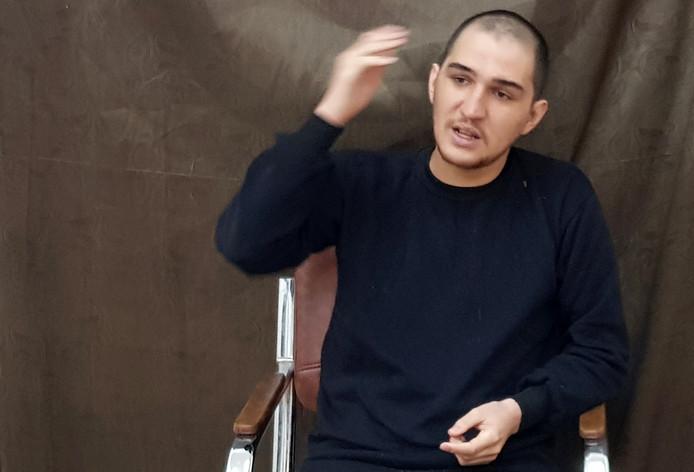 Yago Riedijk tijdens het interview in een kantoor van de Koerdische autoriteiten in Noord-Syrië.