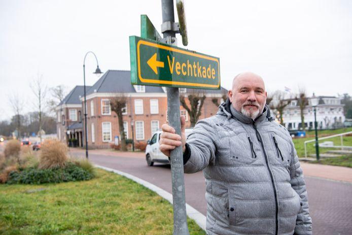 Jan Zwinselman heeft zijn restaurant De Bootsman te koop gezet.