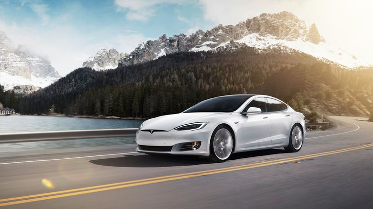 Tesla S Beeld AP
