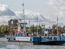 Vaart speciale pont voor boeren eindelijk, is meeste mais al van het land: 'Rijkswaterstaat mag in spiegel kijken'