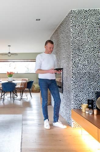 """Een huis vol slimme toestellen? Onze woonexpert testte ze 4 jaar lang: """"Sommige zijn nóg nuttiger nu de terugdraaiende teller verdwijnt"""""""