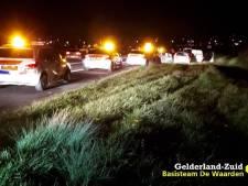 Politie rijdt wegpiraat klem op A15 na wilde achtervolging: 'Niet om te lachen'