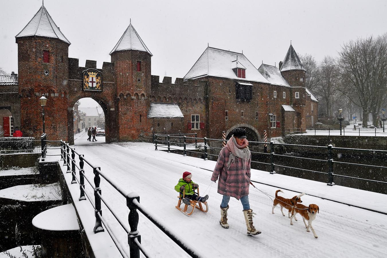 Sneeuw in de binnenstad van Amersfoort, in januari 2019