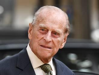 """Prins William stelt iedereen gerust na bezoek aan prins Philip in ziekenhuis: """"Hij is oké"""""""
