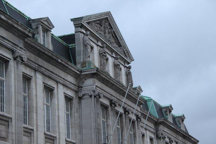 Het gerechtsgebouw in Kortrijk is bekend terrein voor Anthony J.
