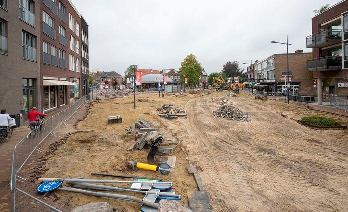 De omgeving van het Zwaaiplein in Veenendaal is deze maand een bouwput.
