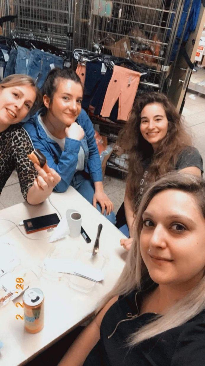 Het team van Zeeman Dampoort: Maxine Toch, Anniek Deschepper, Tamara Van Brabant en Albana Vucaj.