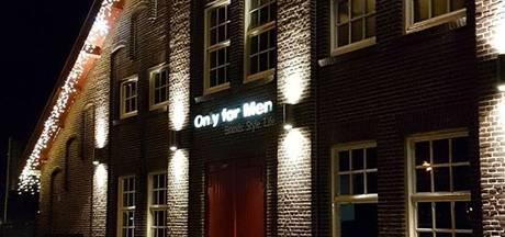Inbrekers stelen jassen Only for Men Doesburg