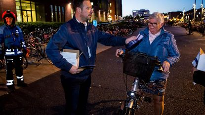 Gratis lichtjes voor 2.000 fietsers