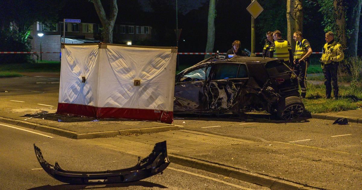 Dodelijk ongeluk in Apeldoorn: politie laat aangetroffen fles lachgas links liggen.