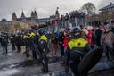 Hoewel de demonstratie 'Kabinet Rutte Geen meer' een anti-lockdown-protest, werd afgelast, kwamen zondag 17 januari toch demonstranten naar het Museumplein in Amsterdam. De situatie liep snel uit de hand toen demonstranten weigerden naar huis te gaan. De politie zette een aantal waterkanonnen in om de groepen uiteen te drijven en de ME greep in.