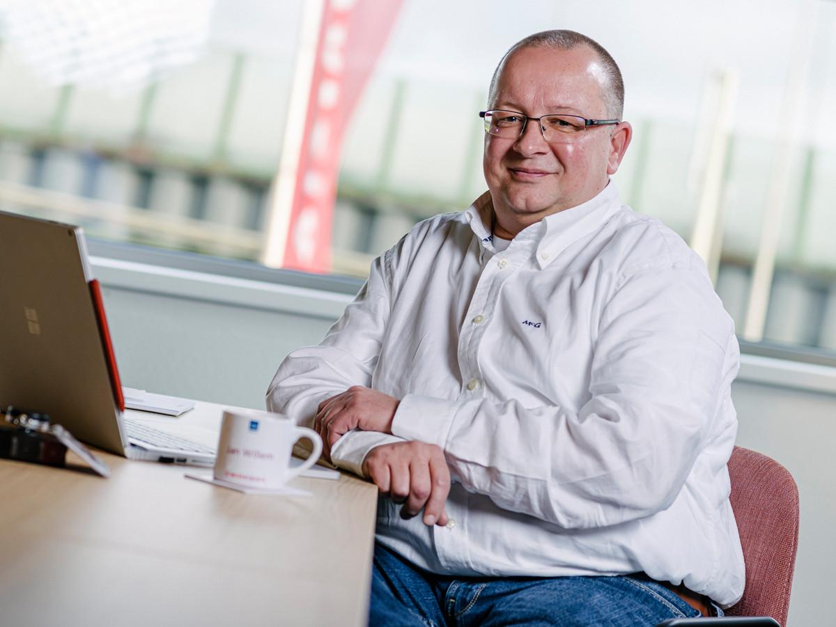 Jan-Willem Küper op kantoor bij zijn nieuwe werkgever Winvision.