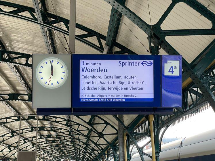 5, 4, 3...Deze NS-klok telt voortaan minuten af voor trein vertrekt