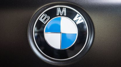 BMW bouwt Skype in