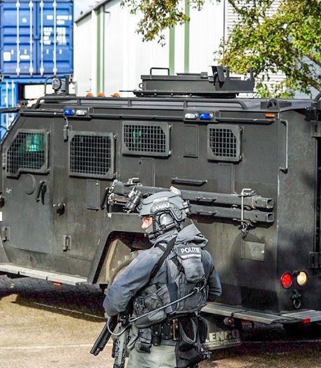 Arrestatieteam doet inval op bedrijventerrein Ridderkerk