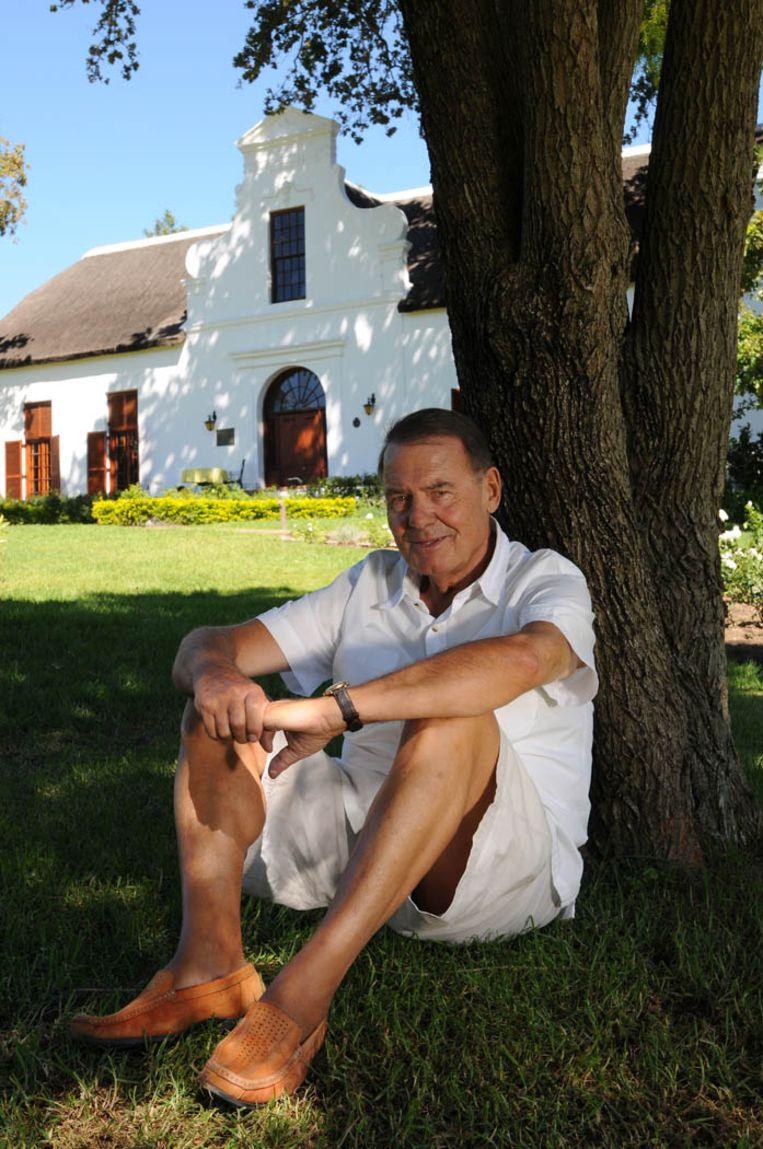 'In België was zo'n huis tussen de wijnranken ondenkbaar en onbetaalbaar, maar in Zuid-Afrika kostte alles twintig jaar geleden zoveel minder.' Beeld Hetty Zantman