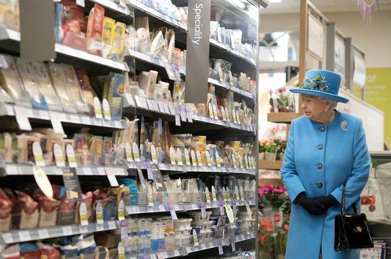De koningin bezoekt de Supermarkt. Beeld getty