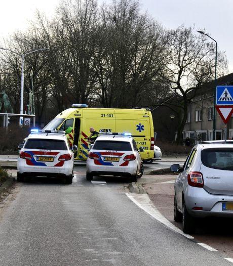 Wielrenner gewond aan hoofd door botsing met auto in Cuijk
