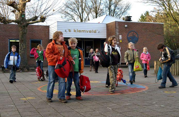 Een foto uit de oude doos van basisschool 't Kiemveld in Den Dungen.