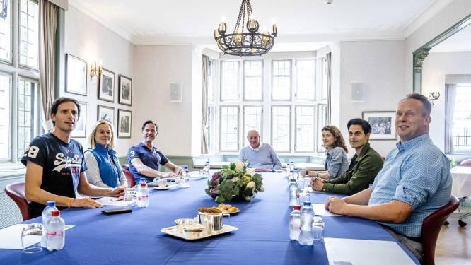 Onderhandelaars begonnen in Zwaluwenberg: Rutte hoopt op 'doorbraak kort na weekend'