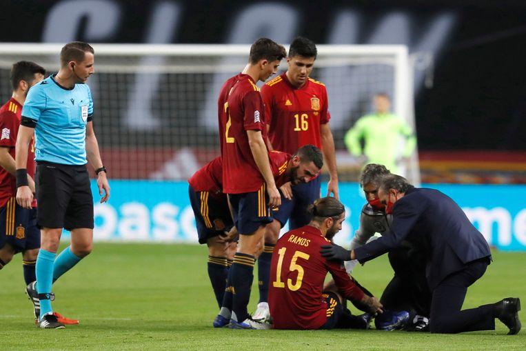 Ook Spaans international Sergio Ramos zit neer na een hamstringletsel. Beeld EPA
