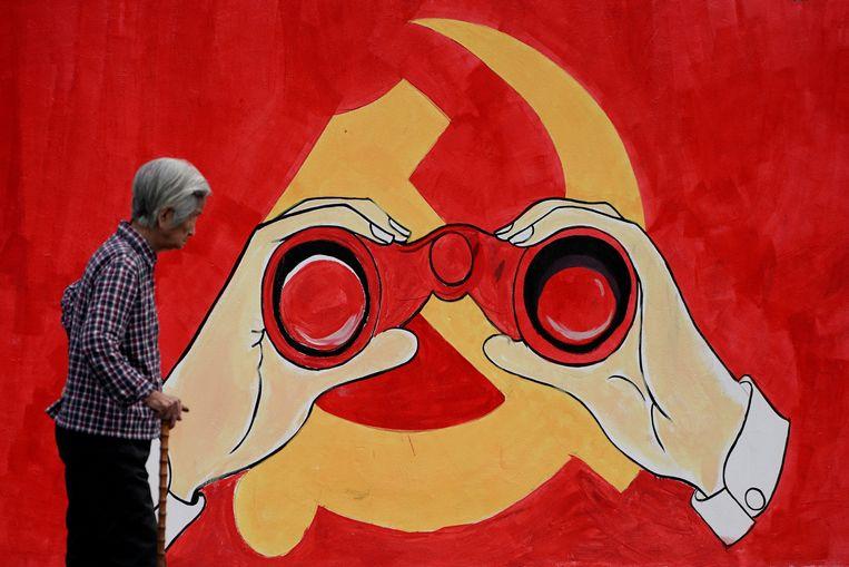 'Verspreiding van geruchten', het 'uitlokken van problemen', en sinds kort ook voor het 'belasteren van de eer van nationale helden' is in China strafbaar tot drie jaar cel. Beeld REUTERS