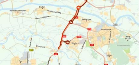 File op A50 door aanrijding, twee rijbanen dicht