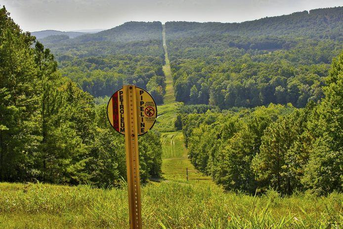 Een bos in Texas waar de oliepijplijn van bijna 9.000 kilometer doorheen loopt.