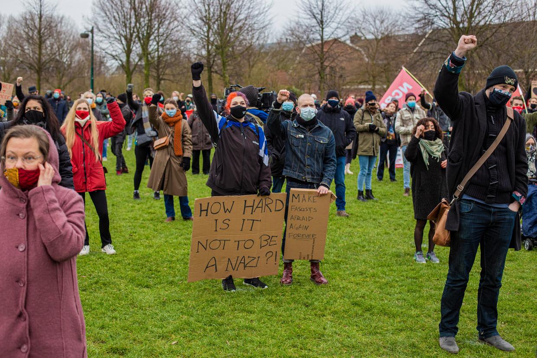 Voor de demonstranten in het Westerpark waren vijfhonderd plekken gereserveerd – het bleek ruim voldoende.  Beeld Maarten Brante
