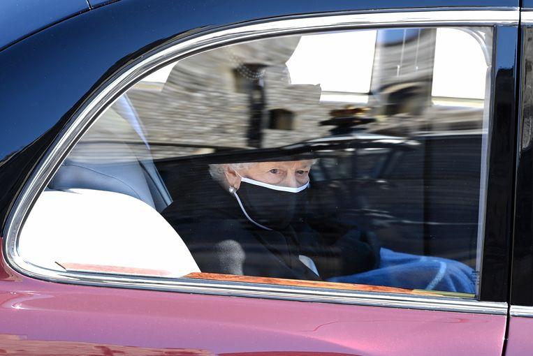 Koningin Elizabeth II arriveert voor de begrafenis van Prins Philip. Beeld WPA Pool/Getty Images