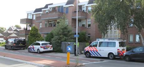 Arrestatieteam verricht aanhouding in flat in Rijssen