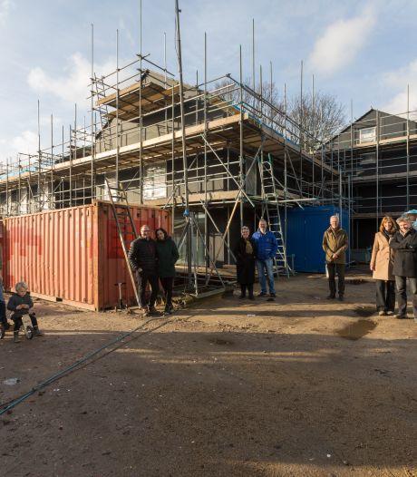 Wonende mens moet meer te zeggen hebben bij bouw huis; 'deskundigen' trekken teveel aan de touwtjes